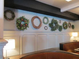 AOC Holiday Wreath Wall angle