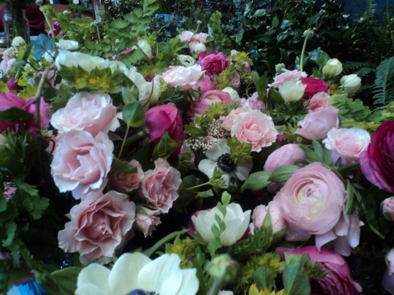 Spray roses and Ranunculus